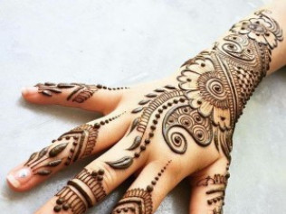 Henna Tattoos - $150 per hour